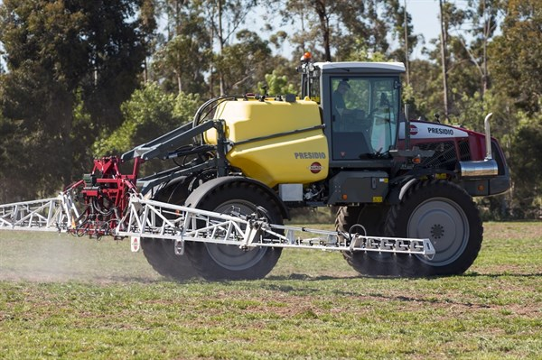 5860_Hardi Presidio Sprayer