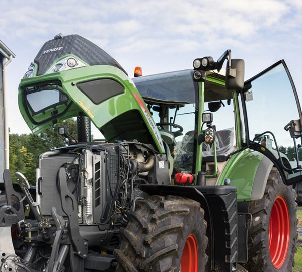 Fendt S4 Vario _engine _8509